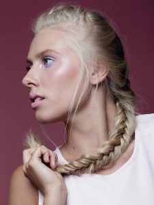 Pastell Shooting, Styling, Hairstyling and Make-up by Ella Duerkop, Modell: Feana G./paragon, Foto: Lena Morgenstern